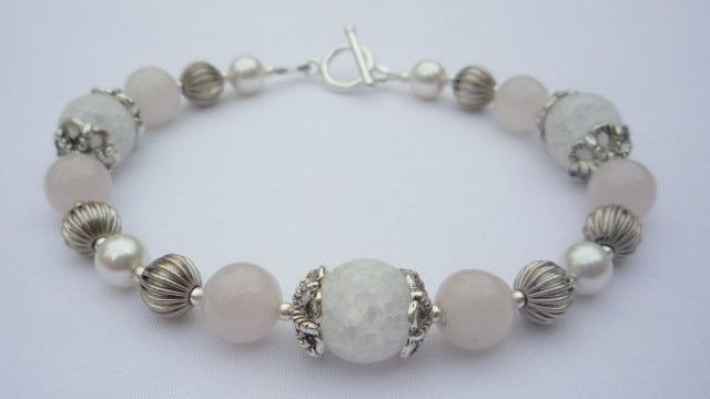 Crackled glass and rose quartz bracelet