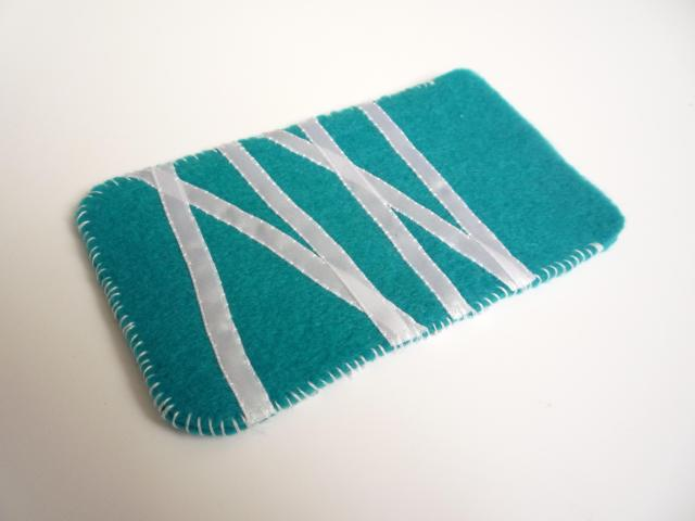 Felt phone pouch finished