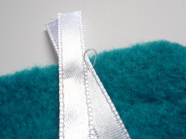Stitching ribbon to felt