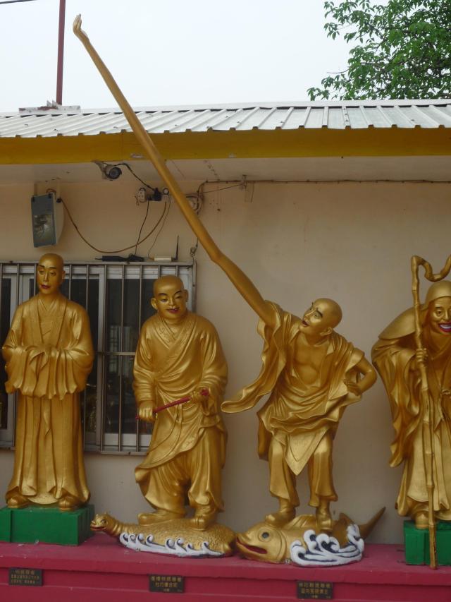 10000 buddhas long arm