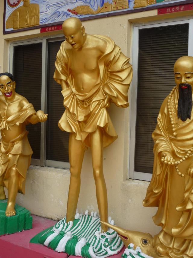 10000 buddhas long legs