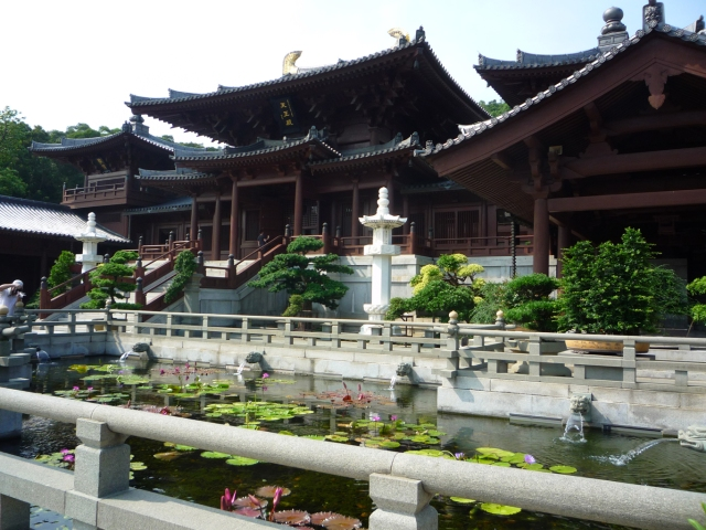 Chi Lin Nunnery lily ponds