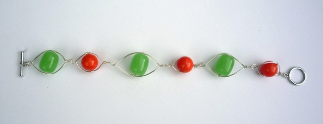 Green and coral wire bracelet