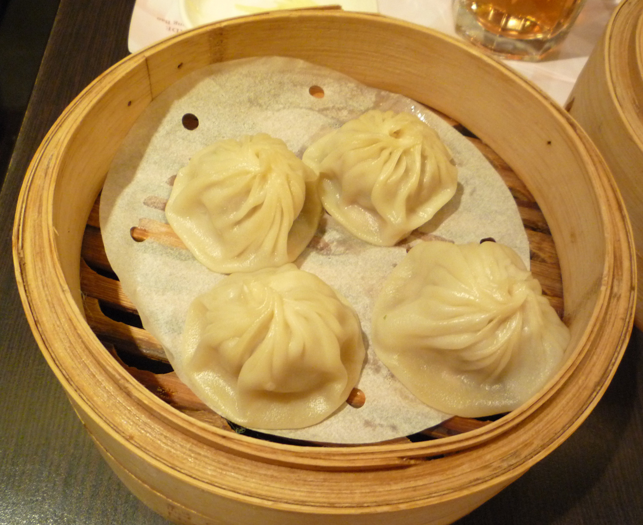 chao xiao long bao the gastronomy aficionado xiao long bao at crystal ...