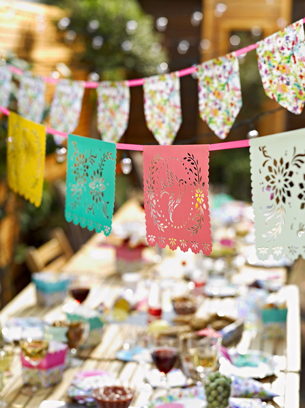 Talking-Table-Fiesta-Mexican-Paper-Banner