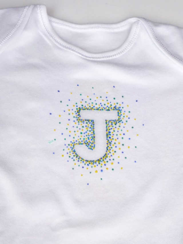 Puff paint initial letter babygro DIY