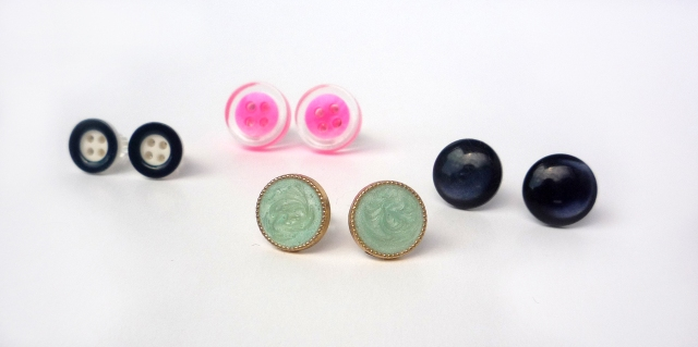 DIY button earrings
