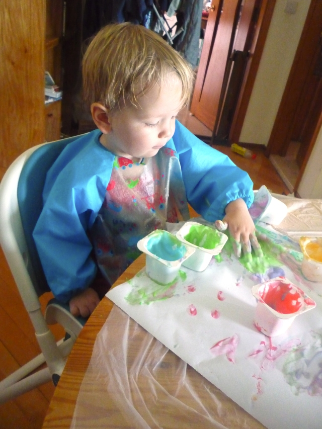 toddler activities - finger painting