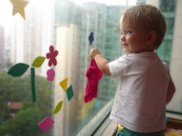 toddler activities - wetting the window