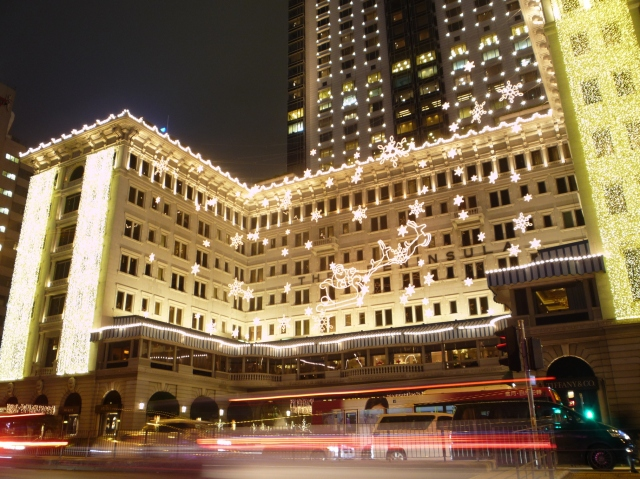 christmas_lights_on_the_peninsula_hotel