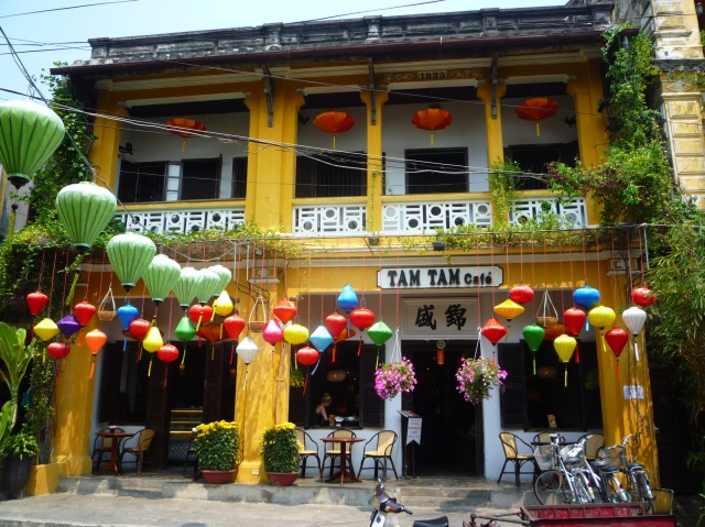 Pretty building Hoi An
