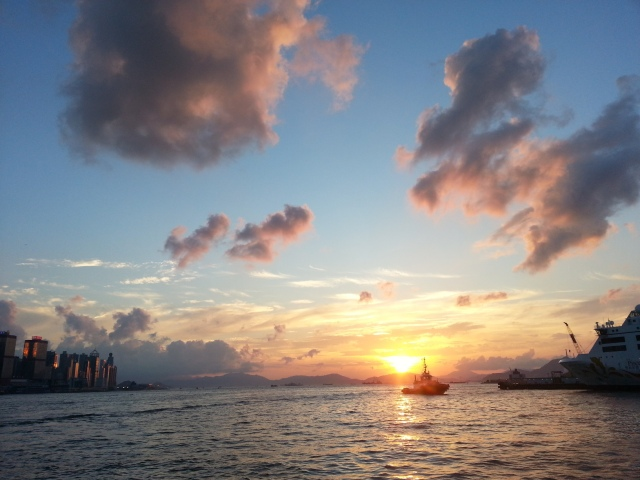 160628 Candid Hong Kong Victoria Harbour sunset