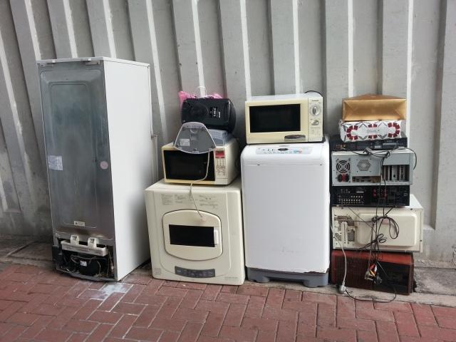 160705 Candid Hong Kong street appliances